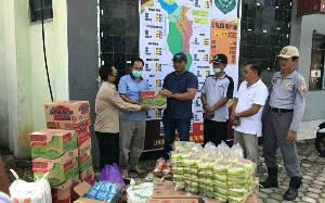 Anggota DPRD Kapuas Serahkan Bantuan Logistik ke Posko Satgas Covid-19 Kapuas