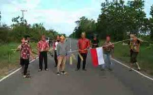 Warga Desa Bangkal Gelar Ritual Tolak Bala untuk Cegah Virus Corona