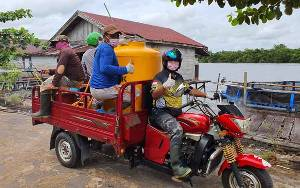 Aksi Swadaya Masyarakat Seruyan Semprotkan Disinfektan Cegah Virus Corona