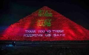 Piramida Mesir Dihiasi Cahaya, Pesan Solidaritas Hadapi Covid-19