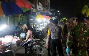 Petugas Gabungan Operasi Pencegahan Covid-19 di Barito Utara