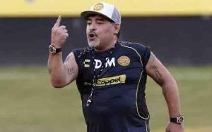 Maradona Tawarkan Gajinya untuk Bantu Klub Terdampak Corona
