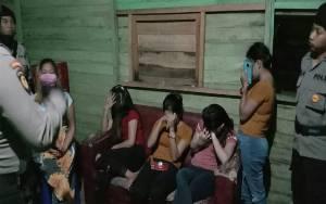 Polisi Bubarkan Pengunjung Cafe dan Warung Remang di Palangka Raya