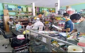 Cegah Covid-19, Pabung Gunung Mas Dampingi Dinas Kesehatan Periksa 3 Warga Kuala Kurun