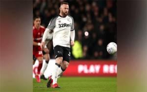 Wayne Rooney Kritik Pemotongan Gaji Pemain Liga Inggris