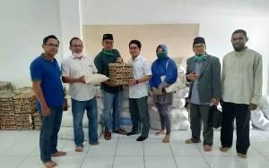 Anggota DPRD Kalteng Salurkan 1.000 Paket Sembako untuk Warga Terdampak Covid-19 di Kotawaringin Timur