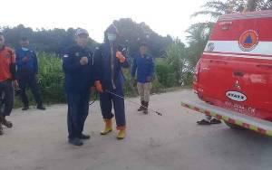 Anggota DPRD Seruyan Gunakan Dana Pribadi untuk Penyemprotan Disinfektan di Desa