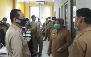 Bupati Kobar Cek Sejumlah Layanan Publik Pastikan Berjalan Baik di Tengah Pandemi Covid-19