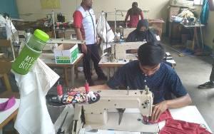 Siswa di Balai Latihan Kerja Kotim Produksi Masker Kain Untuk Dibagikan Kepada Masyarakat