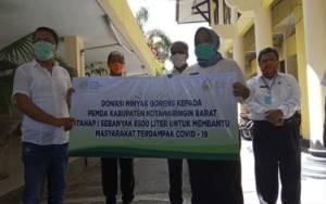 CBI Group Salurkan Bantuan 15 Ribu Liter Minyak Goreng untuk Masyarakat Kobar