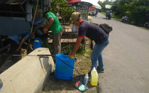 Pemerintah Desa Sei Asam Lakukan Penyemprotan Disinfektan Cegah Covid-19