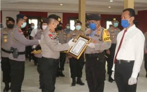 Ungkap Sabu 1 Kg, Kapolda Kalteng Beri Penghargaan Kapolresta Palangka Raya