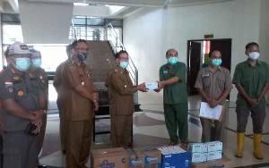 Pemkab Katingan Terima Sumbangan APD dan Masker dari Perusahaan Sawit