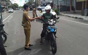 Kelurahan Mendawai Dirikan Posko dan Sosialisasi Penggunaan Masker Cegah Covid-19