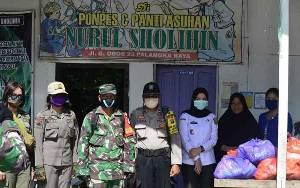Panti Asuhan dan Pondok Pesantren Nurul Sholihin Dapat Bantuan Paket Sembako