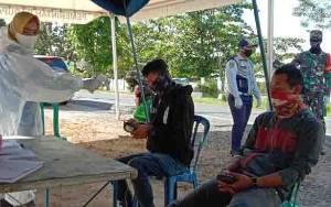 94 Orang Pengguna Jalan Diperiksa Gugus Tugas Covid-19 di Pos Lapangan Mintin