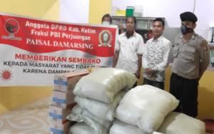 Anggota DPRD Kotim Ini Serahkan Bantuan 600 Paket Sembako