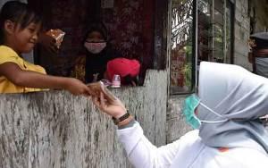 Gandeng Puluhan Penjahit, Pemkab Kobar Produksi dan Bagikan Masker Kain Untuk Masyarakat