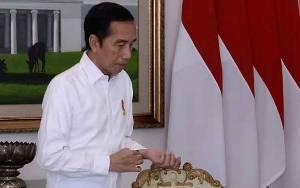 Pengamat: Video Jokowi Marah Demi Daya Tawar di Depan Kabinet