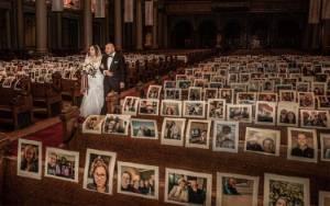 Pernikahan Tanpa Tamu, Gereja Tempel Foto Wajah di Deretan Bangku