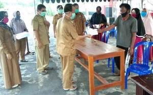 Bupati Seruyan Serahkan Bantuan Untuk Korban Kebakaran di Kuala Pembuang