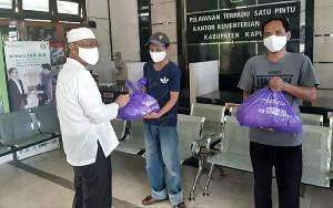 Kemenag Kapuas Peduli, Salurkan Bantuan Sembako ke Warga Terdampak Covid-19