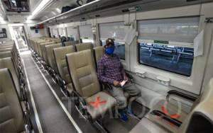 Hari I Kereta Jarak Jauh Aktif Lagi, KAI Cuma Layani 62 Penumpang