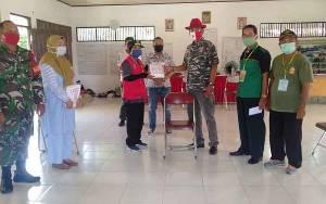 Fraksi PDIP DPRD Palangka Raya Serahkan Bantuan APD untuk Petugas di Kelurahan