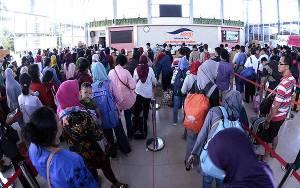 ASDP Bantah Ratusan Penumpang Menumpuk di Bakauheni