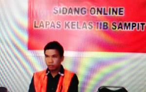 Sopir Truk Suruhan Angkut Kayu Ilegal Divonis 15 Bulan Penjara
