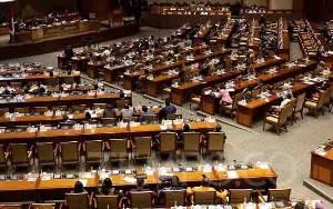 Bahas Omnibus Law Saat Pandemi, DPR Dianggap Curi Kesempatan