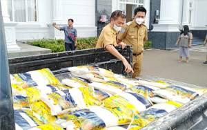 Hebat, Petani Barito Utara Sumbang Beras untuk Warga Terdampak Covid-19