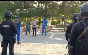Aparat Polri dan TNI Gelar Apel dan Patroli Skala Besar di Kabupaten Kobar