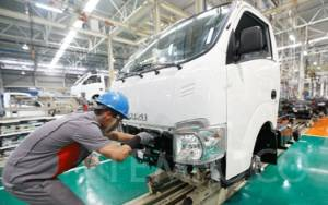 Penjualan Mobil di Indonesia Anjlok 95,7%