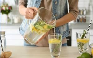 Langkah Membuat Infused Water Lemon dan Rasakan Khasiatnya