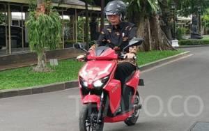 Blak-blakan M. Nuh Pemenang Lelang Motor Listrik Jokowi