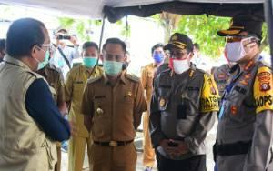 Wali Kota Palangka Raya Pantau Pelaksanaan Rapid Test di Pasar Kahayan