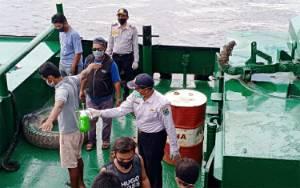 Dinas Perhubungan Terus Awasi dan Sterilisasi Kapal Masuk Perairan Kapuas
