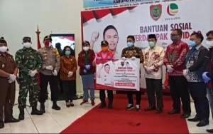 Pemprov Kalteng Serahkan BLT Ke Kabupaten Kotawaringin Timur