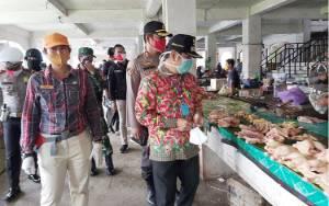 UPT Pasar Tamiang Layang Rekayasa Agar Pedagang Pasar Malam Survive