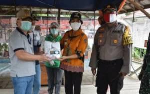 Gubernur Kalteng Serahkan Masker ke Posko Covid-19 Kecamatan Sepang