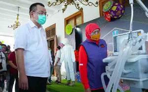 Risma Marah Karena Lab PCR Tinggalkan Surabaya, Ini Kata Khofifah