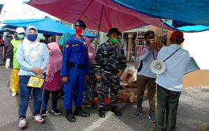 Komandan Kapal KP XVIII Sosialisasikan Penutupan Sementara Pasar Dadakan di Selat Demi Cegah Covid-19