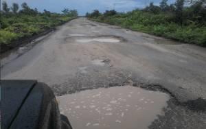 Ruas Jalan Kereng Pangi - Baun Bango Wilayah Hiyang Bana Rusak Berat