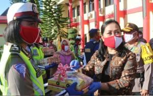 Bhayangkari Kalteng juga Bagi Masker, Telur, dan Suplemen untuk Personel Polri