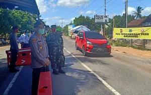 Hari Pertama PSBB Kapuas, Dandim dan Kapolres Patroli Cek Posko Pengamanan