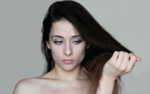 Khasiat Tea Tree Oil untuk Rambut, Bersihkan Ketombe dan Kulit Kepala