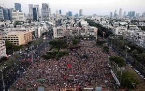 Ribuan Warga Israel Protes Rencana Pencaplokan Tepi Barat