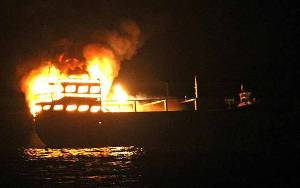 Kapal Terbakar, 11 Nelayan Terombang-ambing di Laut 2 Hari