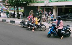 Pengendara Tidak Gunakan Masker ke Areal Pasar di Sampit Disuruh Putar Balik